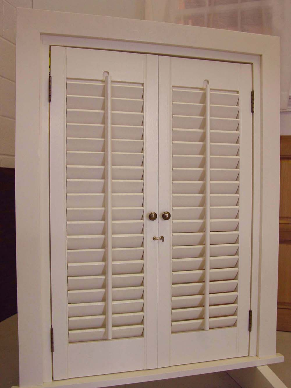 Shuttercraft interior shutters for Interieur shutters
